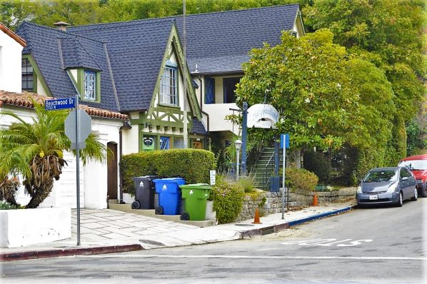 North Beachwood Drive, walk to Hollywood sign, Los Angeles, USA