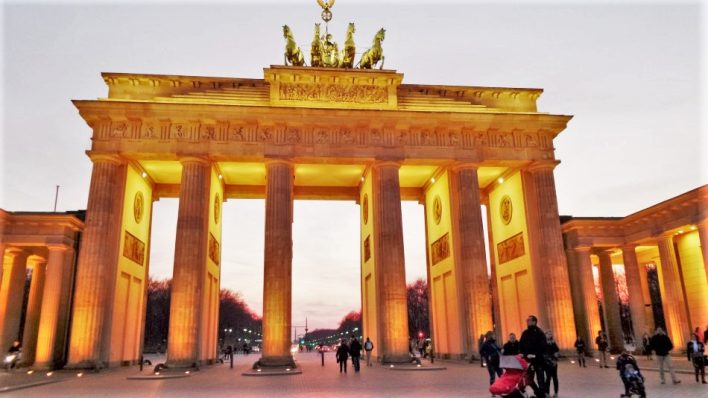 Brandenburgh Gate, Paris Square, Berlin, Germany