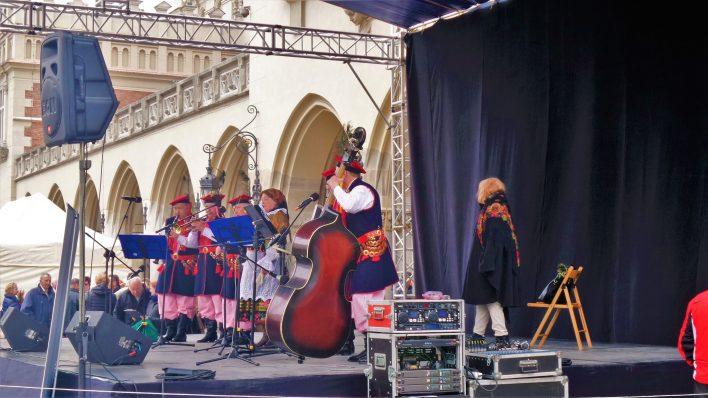 Live music, Rynek Główny, Easter Market, Krakow, Poland