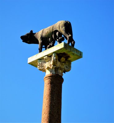 Capitoline Wolf statue, Piazza dei Miracoli, Pisa, Italy, things to do in pisa italy