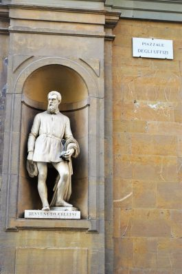 Piazzale Degli Uffizi, Florence, Italy
