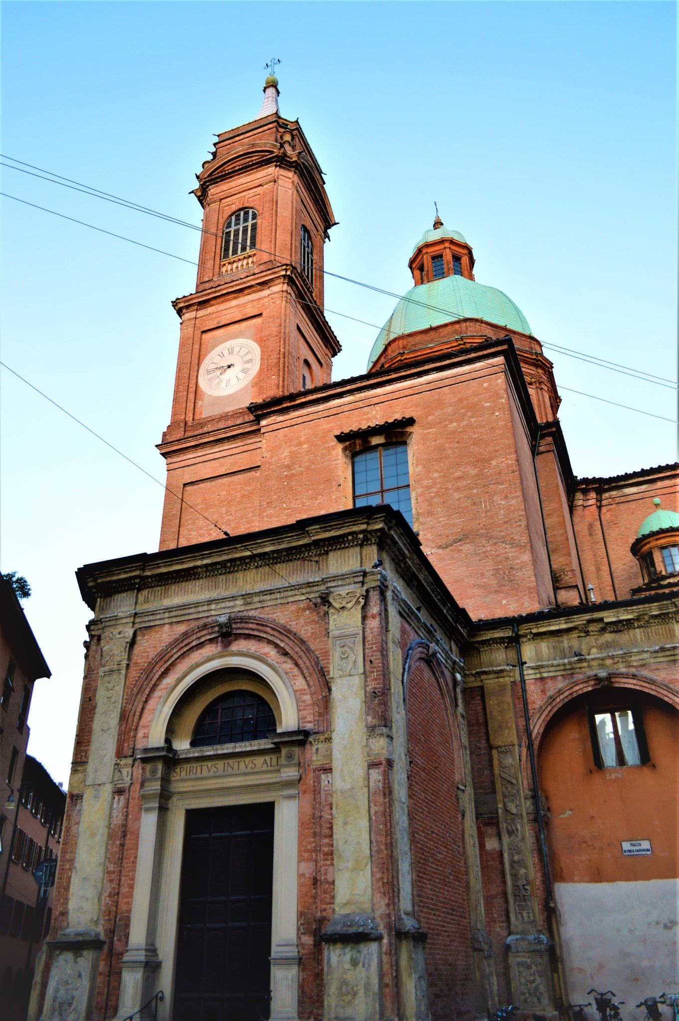 Church building in Bologna, Italy, 48 hours in Bologna