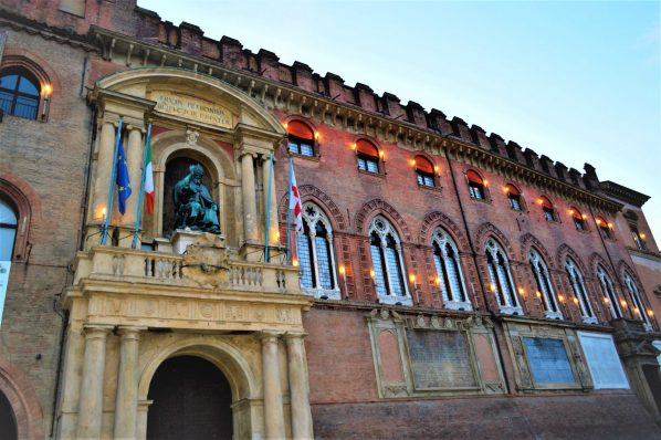 Devus Petronius, Bologna main square, Italy, 48 hours in Bologna