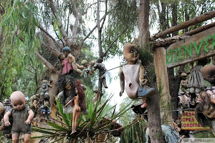 Picture of Island of the Dolls Mexico