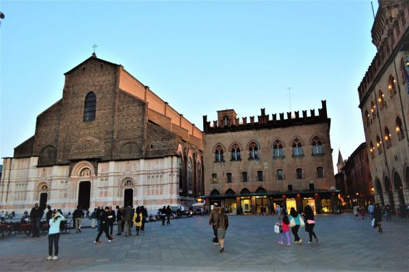 Main Square church, Bologna, Italy, 48 hours in Bologna