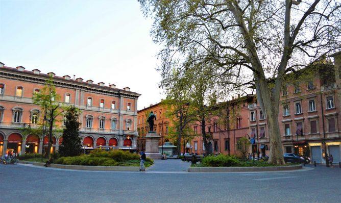 Piazza Del Francia, Bologna, Italy, 48 hours in Bologna